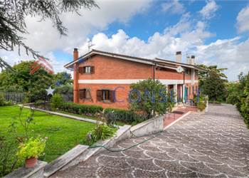 Farmhouse for Sale in Marino