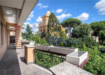 3+ bedroom apartment for Sale in Roma